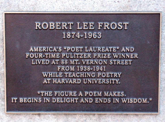 A plaque commemorates Robert Frost residency as one of the many great writers who lived on Beacon Hill