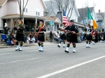 A pipe & drum band leading off the parade
