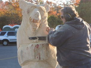 Carving a bear. With a chainsaw.